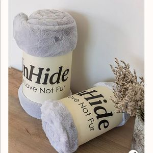 Unhide Lil' Marsh Silver Grey Faux Fur Blanket